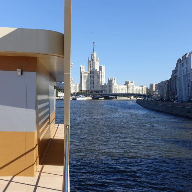 http://houseboat.ru/wp-content/uploads/2017/11/DSC04036-640x640.jpg