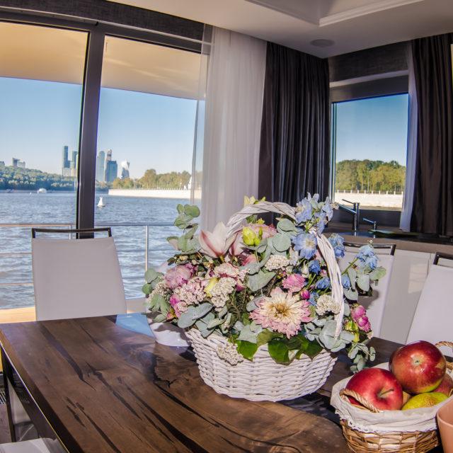 http://houseboat.ru/wp-content/uploads/2017/11/IMGP9668-640x640.jpg