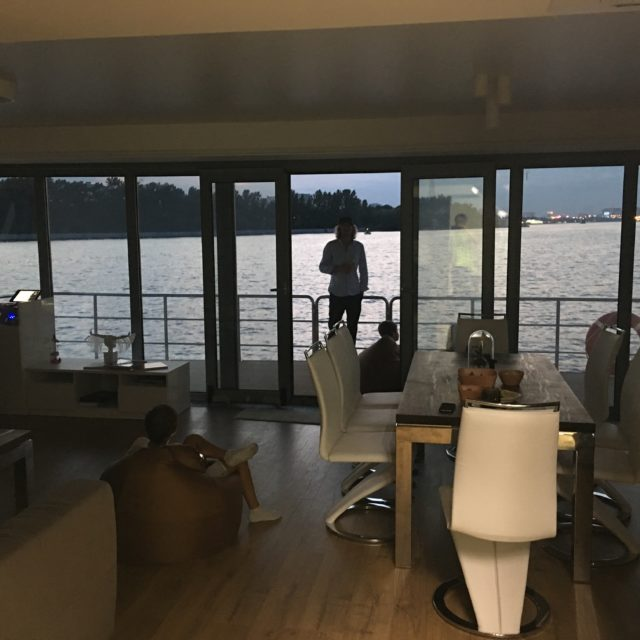 https://houseboat.ru/wp-content/uploads/2017/10/IMG_5562-640x640.jpg