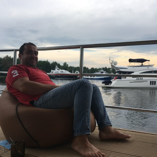 https://houseboat.ru/wp-content/uploads/2017/10/IMG_5703-640x640.jpg