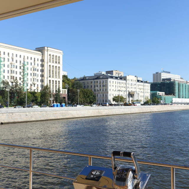 https://houseboat.ru/wp-content/uploads/2017/11/DSC04045-640x640.jpg